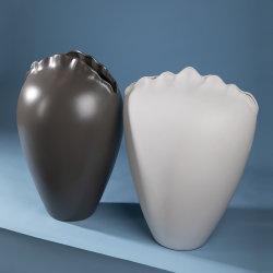 Grossista moderno exclusivo Shell vaso Home decoração Nordic Ceramic vaso Vaso decorativo em flor branco mate cinzento mate com boca estreita