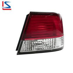 Selbstendstück-Lampe für Nissans sonniges B15 1999-2003 rotes/weißes Endstück-Licht-hintere Lampe 26550-9m527 26555-4m429 26550-4m428