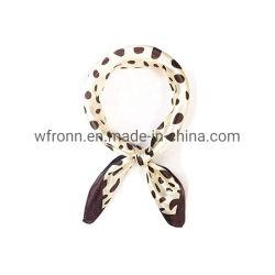Fascia su ordinazione poco costosa multifunzionale quadrata 100% del Bandana della sciarpa dell'OEM del cotone 55*55cm del commercio all'ingrosso