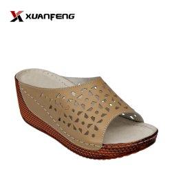 Ocio mujeres populares de cómodas zapatillas de cuero