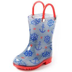 تصميم طباعة مختلف مضاد للانزلاق أحذية PVC للأطفال أحذية ذات أسطح ممطرة خارجية باستخدام المقبض