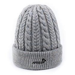 2021 新しい設計卸し売りラベル帽子の帽子の帽子の女性 / 人のカップルのためのギフトの注文の冬のニット