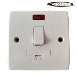 BS13A DP ヒューズ付きスモーク・スモートリッジ・エレクトリック・ウォール・ライト・スイッチ(ネオン付き)