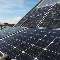 Camera o generatore diesel ibrido di energia solare di uso 20kw 50kw 100kw di industria fuori dal sistema di griglia