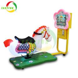 Coin exploité un terrain de jeux Electric Horse Racing de conception 3D kiddie ride de gros de pivotement sur les jouets