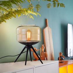 北欧の三脚の鉄の机の照明ホーム現代ステンドグラスの卓上スタンド