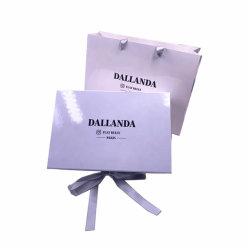 Sluiting van uitstekende kwaliteit van het Karton van het Embleem van de Douane de Stijve Witte Magnetische met het Vouwbare Verpakkende Vakje van Kleren voor de Zak van de Gift van het Document van de Kleding