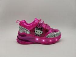 Los Nuevos Zapatos de luces LED de color rosa a los niños Niños calzado Patines zapatillas con ruedas de luz LED brillante para las niñas zapatillas