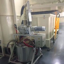 Trattamento preparatorio e sistema di rivestimento della polvere per la produzione d'acciaio del portello