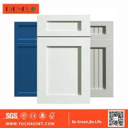 غشاء من مادة PVC مضغوط في باب خزانة المطبخ من مادة MDF