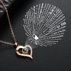 Commerce de gros 2018 Conception Hot Sale Mode féminine colliers Accessoires Bijoux je Vous aime dans 100 langues Pendentif Coeur Collier de projection