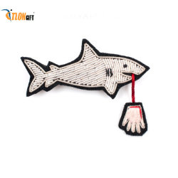 子供のためのかわいいカスタマイズされた鮫によって刺繍される腕章