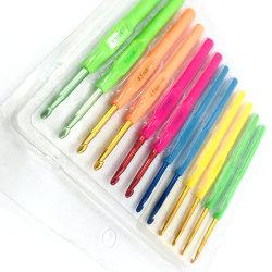 Nouveau crochet crochet Singlle aiguille Aiguilles à Tricoter Multi-Color Poignée en plastique lisse avec échantillon de cas disponibles