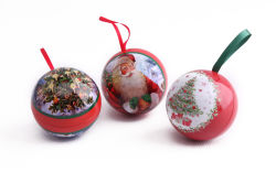 볼 모양 크리스마스 선물 리본 메뉴가 있는 틴박스