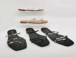2020 Nuevo diseño de la mujer de zapato plano sandalias de playa damas zapatos de mujer zapatillas