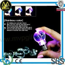 Illuminazione di plastica su ordinazione Keychain di promozione LED di alta qualità