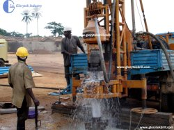 GLIIIのトラックによって取付けられる井戸の掘削装置