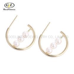 Le coperture bianche geometriche di modo europeo dell'argento sterlina S925 imperlano i monili d'argento degli orecchini della vite prigioniera dell'amo dell'orecchio