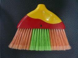 Plastic Bezem van het Handvat van drie Kleuren de Houten sq-029r