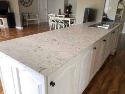 Neue Farben-hoher glatter künstlicher Quarz-Oberflächenstein für Küche-Gegenoberseite