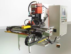 油圧CNCの高速版の打つ機械モデル