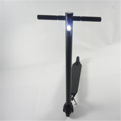 Fibra de carbono Greenpedel 24V 10.4ah Scooter eléctrico plegable en dos ruedas