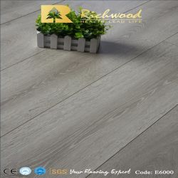 V la scanalatura HDF AC4 ha incluso la pavimentazione laminata laminata di legno di legno costruita vinile di carta