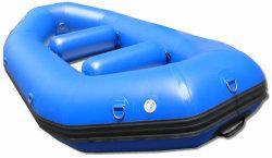 Kajak gonfiabile di salvataggio del peschereccio del giocattolo da 13 FT che trasporta barca con una zattera