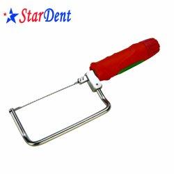 歯科実験室の外科整形外科プラスターは長くおよび短い鋸で挽く