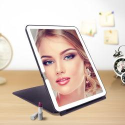 مرآة مضيئة محمولة صغيرة ومضاءة على شكل وسادة