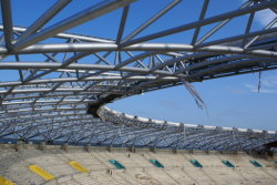 تصميم حرّة جديدة صنع وفقا لطلب الزّبون [بر] يهندس يصنع [برفب] توتّريّ غشاء [ستينلسّ ستيل بيب] جملون بنية إطار منتوجات ملعب مدرّج بناية