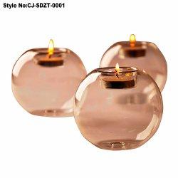 装飾のための美しいクリスマスのガラス蝋燭