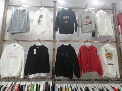 2019 Vêtements Fashion Design chandail des hommes beaucoup de stock