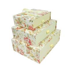 창조적인 크림 꽃 활주 열리는 선물 상자가를 가진 손잡이를 전송한다