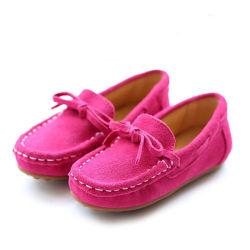 Commerce de gros PU occasionnel des enfants Les enfants Sneaker sans lacets de chaussures de marche