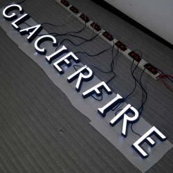 Panneaux décoratifs en 3D personnalisés lettres canal en acier inoxydable des lettres d'éclairage LED de signes de la porte de l'hôtel