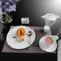 Het nieuwe die Diner van het Porselein van het Ontwerp voor Huwelijk en Banket wordt geplaatst