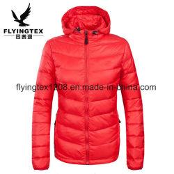 여자 숙녀 겨울 두건이 있는 재킷 Packable 스포츠는 옥외 겉옷을 착용한다