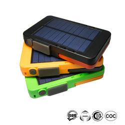 Ordinateur portable abordable Eco Friendly Banque d'énergie solaire chargeur avec torche LED d'urgence de la Lumière et éclairage de lecture