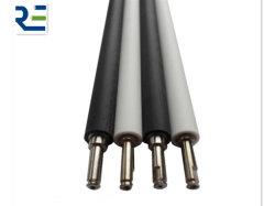 Rubberen rol voor papierproductie Silicone Roller Ink Roller Geleiderol Drukrol stalen embossing rol voor toiletpapier Machine