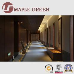 Деревянные панели из шпона оформление отеля мебель в проход