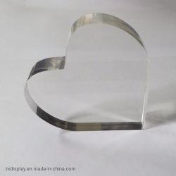 شكل قلب أكريليك شفاف كتلة بلورية بيضاء بلورية بلورية بلورية بلورية بلورية