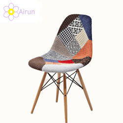 Design Nordique les jambes en bois moderne de gros de capot de tissu Patchwork chaise de salle à manger en plastique