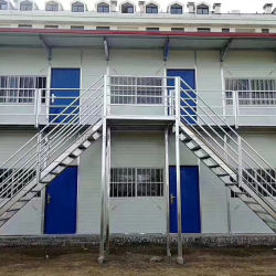 장비 완전한 장식적인 2층 호화스러운 조립식 집이 콘크리트에 의하여 유숙한다