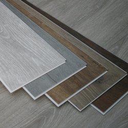 Vinyle commercial de décoration à la maison couvrant le plancher ignifuge de clic de PVC de tuile imperméable