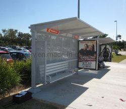 La parada de autobús el bastidor de la vivienda