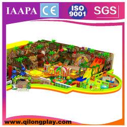 De houten BinnenSpeelplaats van de Jonge geitjes van het Thema van de Wildernis (ql-18-4)