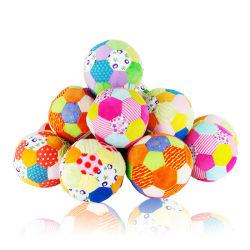 Custom peluche balle de bébé jouets grinçants avec bague