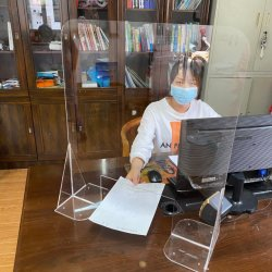 Bewegliche schützende Empfang-Schutz-Gegensperren-Tischplattenfreier Acrylschild-Bildschirm-Niesen-Plastikschutz