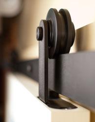 A parte superior do vidro corrediço de porta Porta Hardware pela Erias Designs de casa
